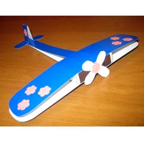 Ինքնաթիռ գունավոր ստվարաթղթից