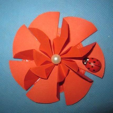 Ծաղիկ թղթից